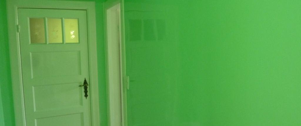 maler-wedel-hamburg-vorher-nachher-innen-nachher-wand-grün-glänzend-1024x768