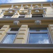 maler-wedel-hamburg-vorher-nachher-aussen-nachher-fassade-detail-von-unten