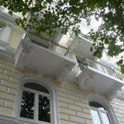 maler-wedel-hamburg-vorher-nachher-aussen-nachher-fassade-gelb-balkone