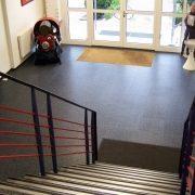 maler-wedel-hamburg-bodenbelaege-treppe-eingangsbereich