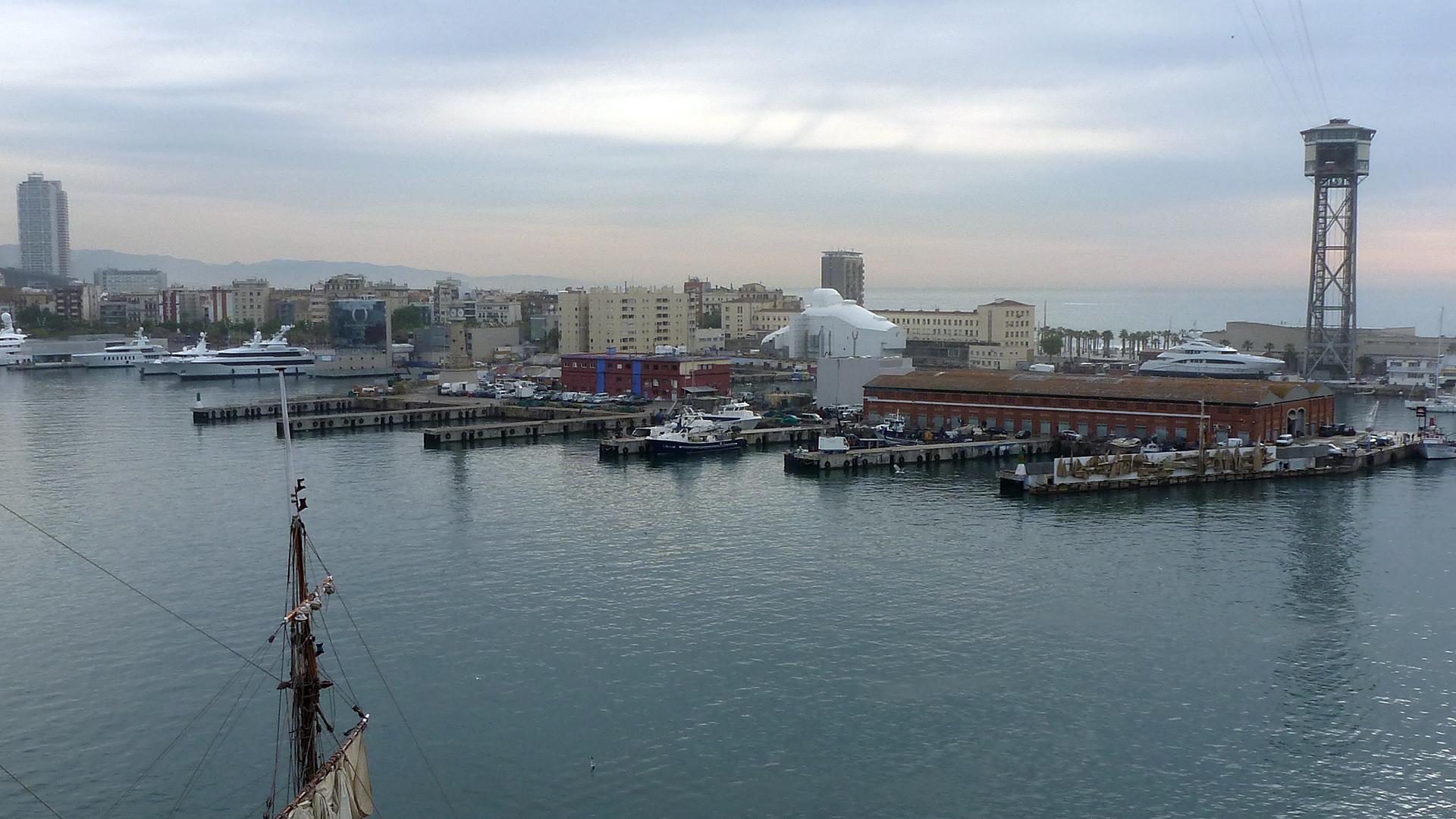 Maler-Wedel-Hamburg-Innenarbeiten-Motoryacht-Polarstar-Hafen-Barcelona-2