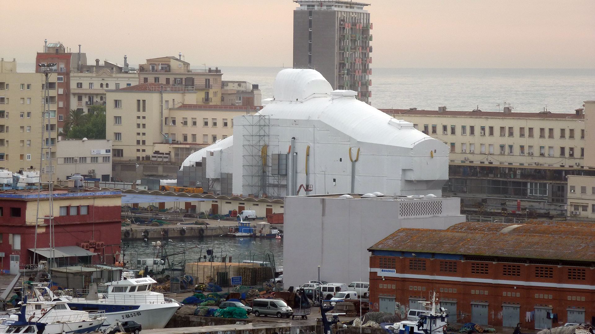 Maler-Wedel-Hamburg-Innenarbeiten-Motoryacht-Polarstar-Hafen-Barcelona