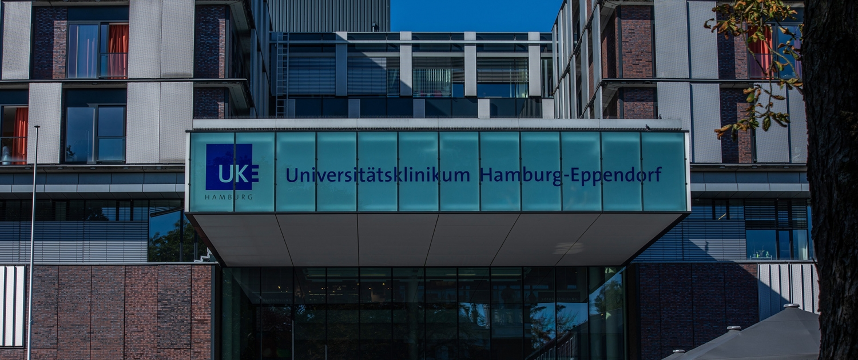 Maler-für-Wedel-und-Hamburg-UKE Haupteingang