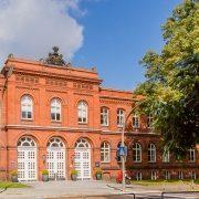 Maler-für-Wedel-und-Hamburg-Aussenabeiten-UKE-Verwaltungsgebaeude