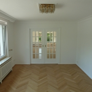 Maler-für-Wedel-und-Hamburg-Innenarbeiten-Wohnzimmer-Tür